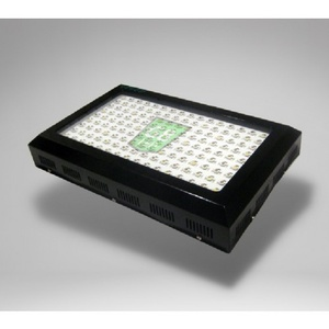 wachstumslampen f r hanfpflanzen seedspotter. Black Bedroom Furniture Sets. Home Design Ideas